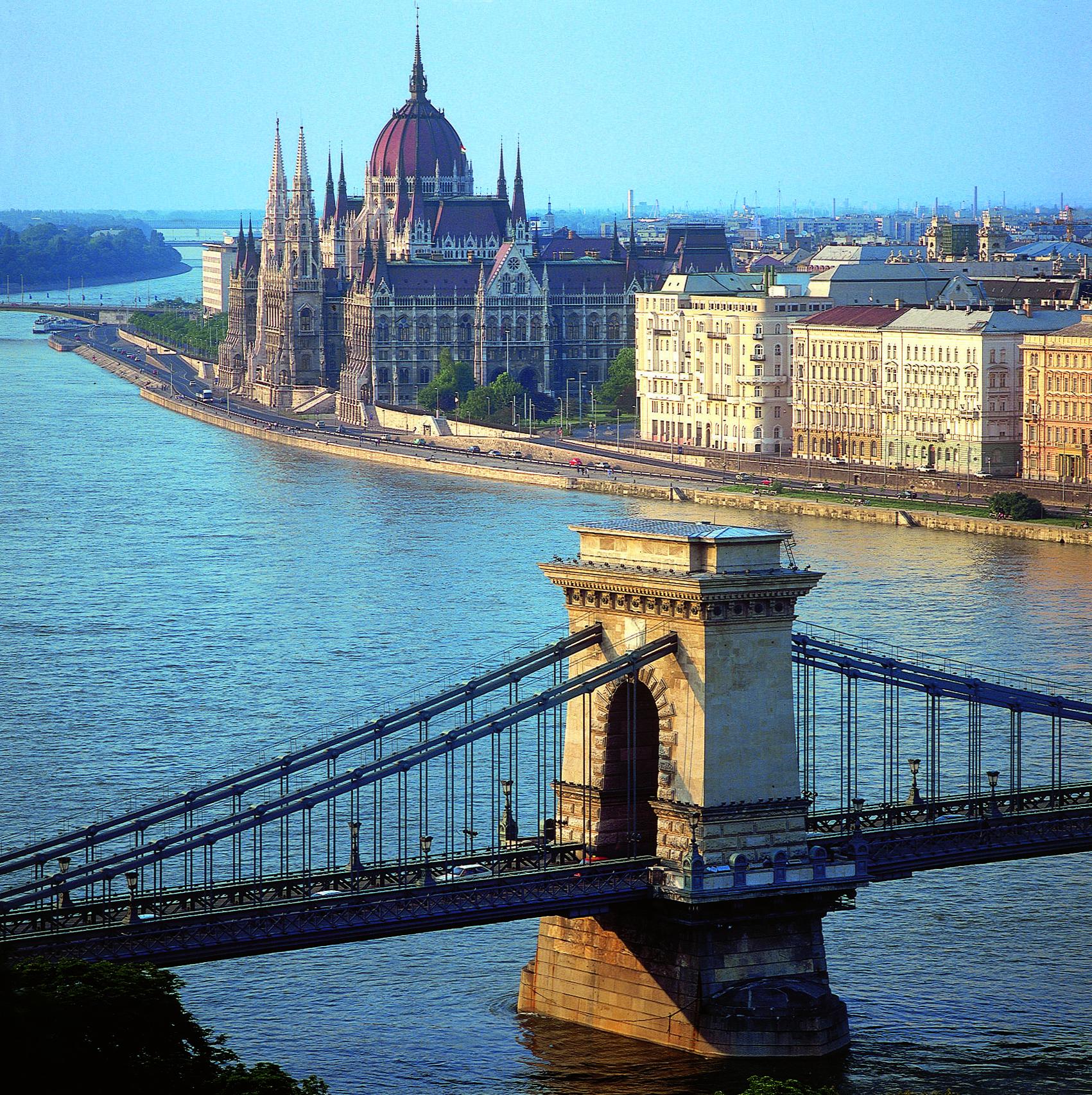 Pied Piper Travel : Romantic Danube River Cruise - Ship ...